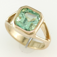 Ladies Gold Emerald Rings