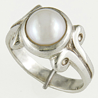 Women's Silver Pearl Ring for Astrology